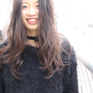 波ウェーブ グラデーションカラー ストリート ナチュラル ヘアスタイルや髪型の写真・画像