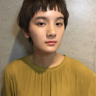 アッシュベージュ ヘアメイク 秋 ショート ヘアスタイルや髪型の写真・画像