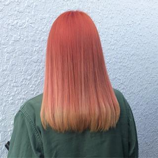 イエロー ハイトーン フェミニン ミディアム ヘアスタイルや髪型の写真・画像