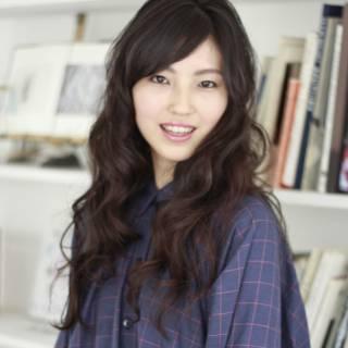 黒髪 斜め前髪 パーマ ナチュラル ヘアスタイルや髪型の写真・画像
