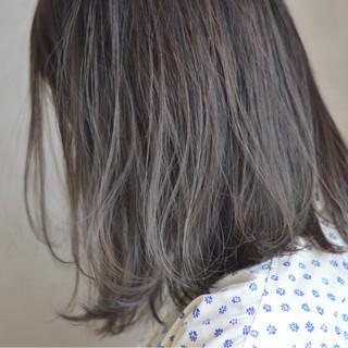 グレージュ 透明感 ボブ 抜け感 ヘアスタイルや髪型の写真・画像