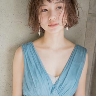 大人女子 小顔 外国人風 ニュアンス ヘアスタイルや髪型の写真・画像