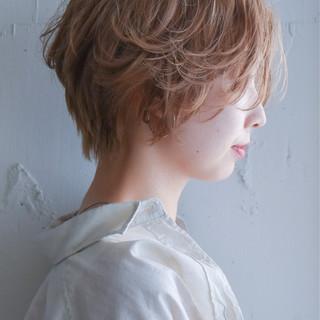 ひし形シルエット ナチュラル パーマ ショート ヘアスタイルや髪型の写真・画像