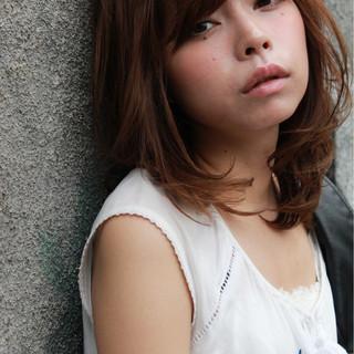 前髪あり セミロング ハイライト 外国人風 ヘアスタイルや髪型の写真・画像