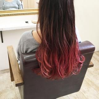 レッド 外国人風カラー ピンク ストリート ヘアスタイルや髪型の写真・画像