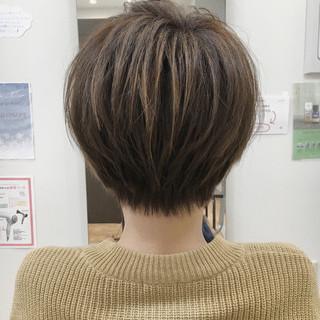 小顔 ショートボブ ナチュラル 大人女子 ヘアスタイルや髪型の写真・画像