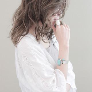 アッシュ ハイライト 外国人風 ブラウン ヘアスタイルや髪型の写真・画像
