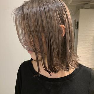 ボブ 切りっぱなしボブ ナチュラル ハイトーン ヘアスタイルや髪型の写真・画像