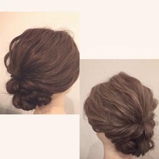 お呼ばれヘア 結婚式 セミロング ナチュラル ヘアスタイルや髪型の写真・画像