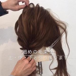 ヘアアレンジ ギブソンタック セミロング 簡単ヘアアレンジ ヘアスタイルや髪型の写真・画像