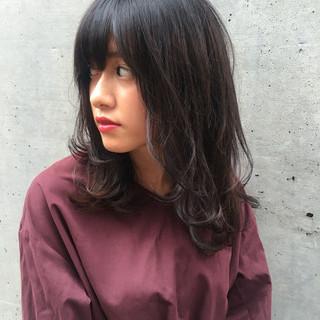 秋 デート 黒髪 セミロング ヘアスタイルや髪型の写真・画像