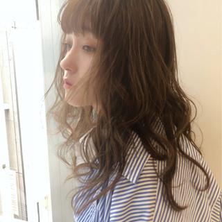 ミディアム アウトドア ゆるふわ オフィス ヘアスタイルや髪型の写真・画像