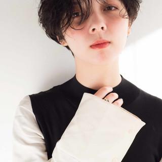 外国人風 アンニュイほつれヘア オフィス ナチュラル ヘアスタイルや髪型の写真・画像