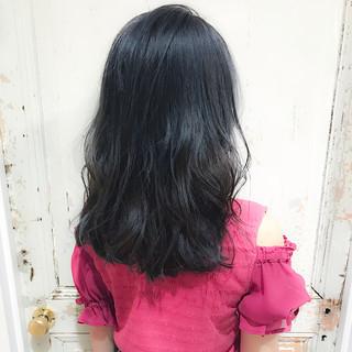 ブルーアッシュ ハイライト ウェーブ アンニュイ ヘアスタイルや髪型の写真・画像