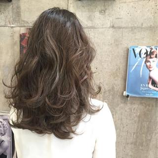 渋谷系 外国人風 大人かわいい セミロング ヘアスタイルや髪型の写真・画像