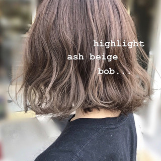 ボブ アッシュ アッシュベージュ ミルクティーベージュ ヘアスタイルや髪型の写真・画像