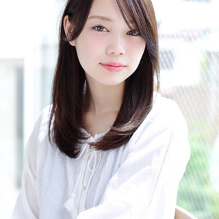大人かわいい セミロング 黒髪 ナチュラル ヘアスタイルや髪型の写真・画像