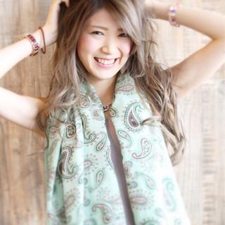 ガーリー グラデーションカラー 色気 かわいい ヘアスタイルや髪型の写真・画像