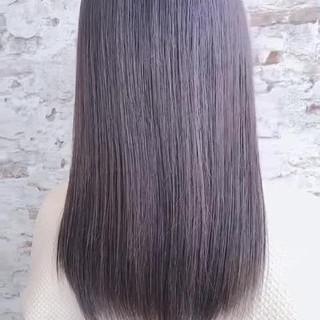 ミディアム パープル モード グラデーションカラー ヘアスタイルや髪型の写真・画像