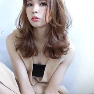 春 外国人風 パーマ ガーリー ヘアスタイルや髪型の写真・画像
