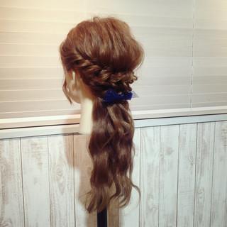 セミロング ヘアアレンジ モテ髪 ローポニーテール ヘアスタイルや髪型の写真・画像