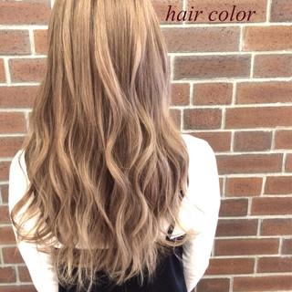 グラデーションカラー ゆるふわ ロング くせ毛風 ヘアスタイルや髪型の写真・画像