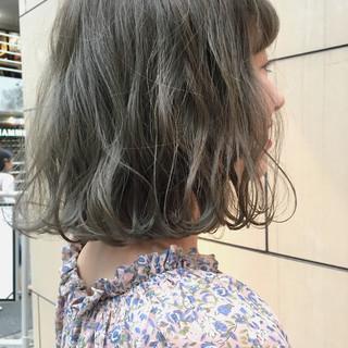 ウェーブ アッシュ ナチュラル 外国人風カラー ヘアスタイルや髪型の写真・画像