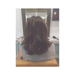 ゆるふわ ミディアム ストレート フェミニン ヘアスタイルや髪型の写真・画像