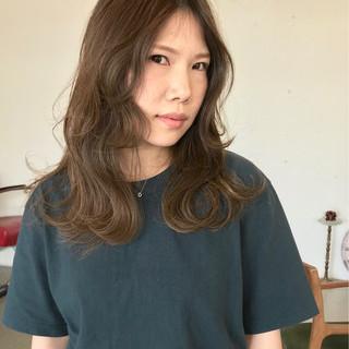 ナチュラル 外国人風 アッシュグレージュ ハイライト ヘアスタイルや髪型の写真・画像
