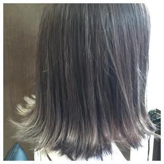 ガーリー デート 外ハネ グレージュ ヘアスタイルや髪型の写真・画像