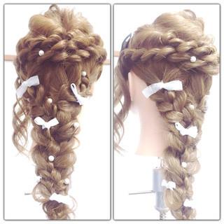 ねじり 編み込み ヘアアレンジ ロング ヘアスタイルや髪型の写真・画像