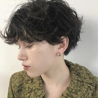 くせ毛風 ショート パーマ ゆるふわ ヘアスタイルや髪型の写真・画像