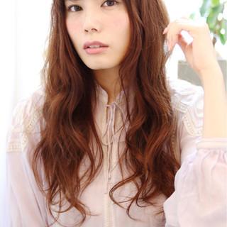 ゆるふわ 前髪あり ロング パーマ ヘアスタイルや髪型の写真・画像