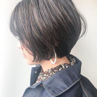ショート ハイライト オフィス ショートボブ ヘアスタイルや髪型の写真・画像