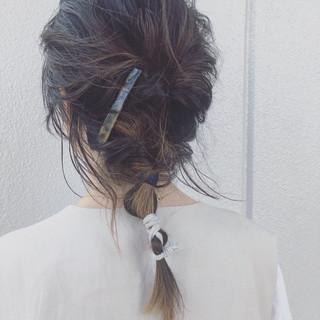くるりんぱ ナチュラル ミディアム 簡単ヘアアレンジ ヘアスタイルや髪型の写真・画像