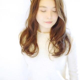 透明感 ゆるふわ パーマ 外国人風 ヘアスタイルや髪型の写真・画像