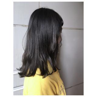 オリーブグレージュ 春ヘア ミディアム くすみカラー ヘアスタイルや髪型の写真・画像