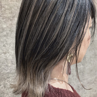 ナチュラル グレージュ アッシュグレージュ バレイヤージュ ヘアスタイルや髪型の写真・画像