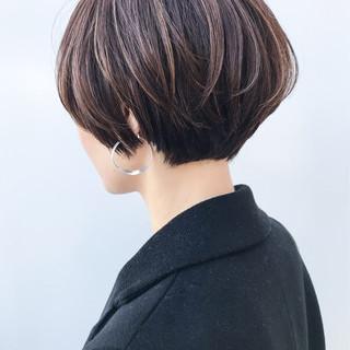 ショートボブ コンサバ ナチュラル ハイライト ヘアスタイルや髪型の写真・画像