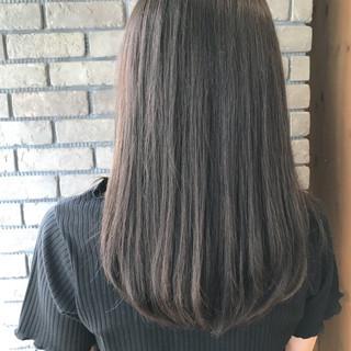 グレージュ エフォートレス フェミニン セミロング ヘアスタイルや髪型の写真・画像