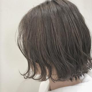 グレージュ ショートボブ ボブ ナチュラル ヘアスタイルや髪型の写真・画像