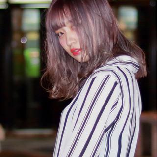 アッシュ グレー ミディアム ストリート ヘアスタイルや髪型の写真・画像