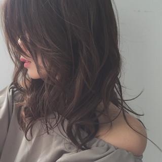 ニュアンス ミルクティー ナチュラル セミロング ヘアスタイルや髪型の写真・画像