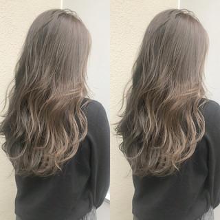 透明感 ナチュラル ハイライト グレージュ ヘアスタイルや髪型の写真・画像