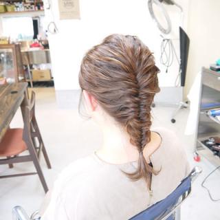 ヘアアレンジ ナチュラル セミロング 編み込み ヘアスタイルや髪型の写真・画像