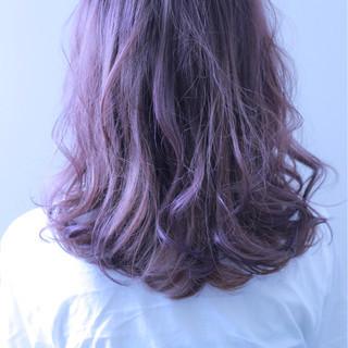 ダブルカラー ベージュ パープル 透明感 ヘアスタイルや髪型の写真・画像