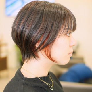 ストリート ショートヘア インナーピンク ショート ヘアスタイルや髪型の写真・画像