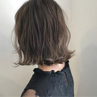 切りっぱなし 秋 外ハネ ナチュラル ヘアスタイルや髪型の写真・画像