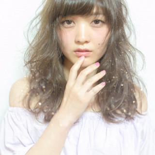 外国人風 ゆるふわ セミロング フェミニン ヘアスタイルや髪型の写真・画像