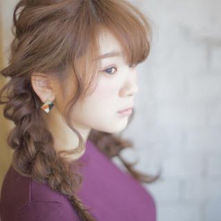 編み込み ヘアアレンジ ショート 大人かわいい ヘアスタイルや髪型の写真・画像